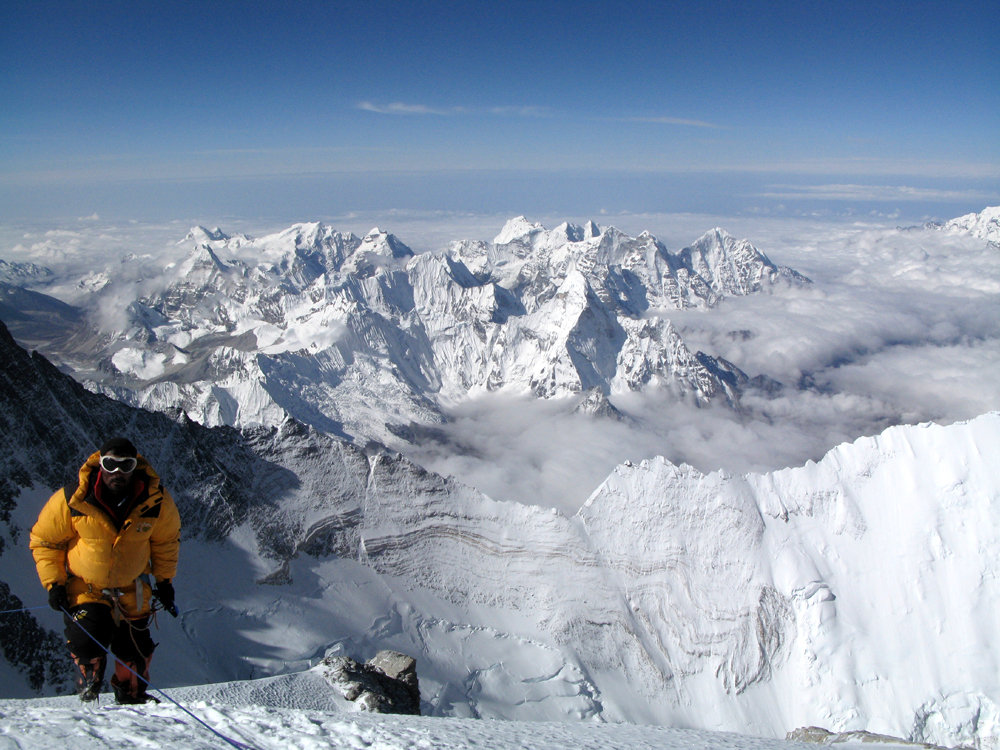 View from the South Summit of Everest, 182 kb
