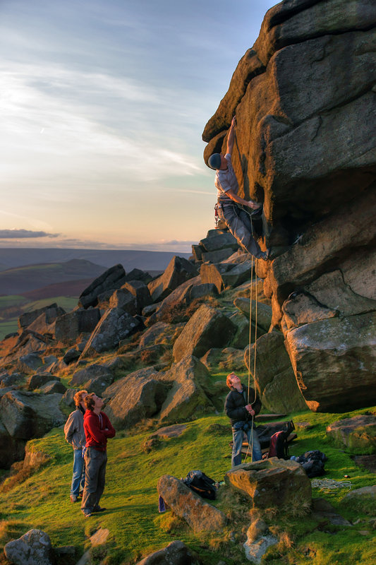 Aide Jebb completes Evil Gazebo (E6, 7a) on Stanage, 122 kb