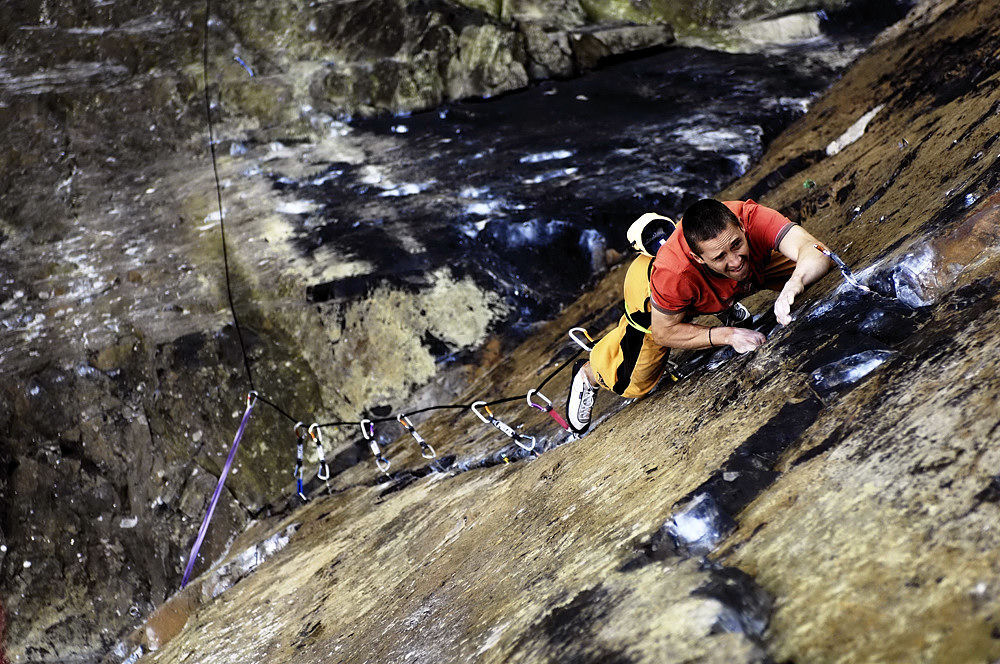 Steve McClure on the third ascent of Rhapsody (Keith Sharples www.keithsharplesphotography.com), 217 kb