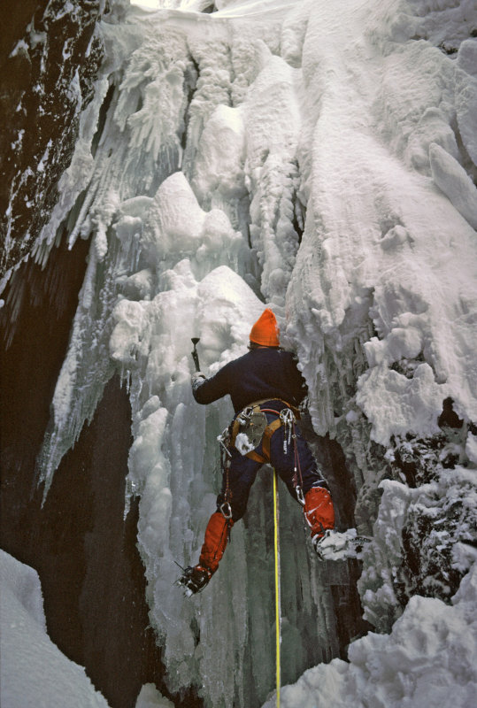 Dave Spence on the Devil's Kitchen at Cwm Idwal - February 1979, 112 kb