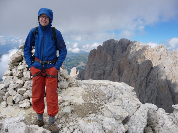On top of the Innerkoflerturm after climbing Via del Calice. Langkofel in the background., 177 kb