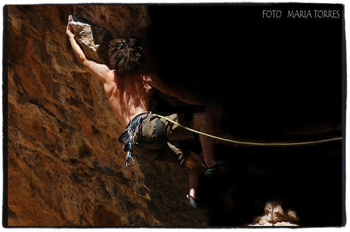 Tom Bolger climbing, , 68 kb