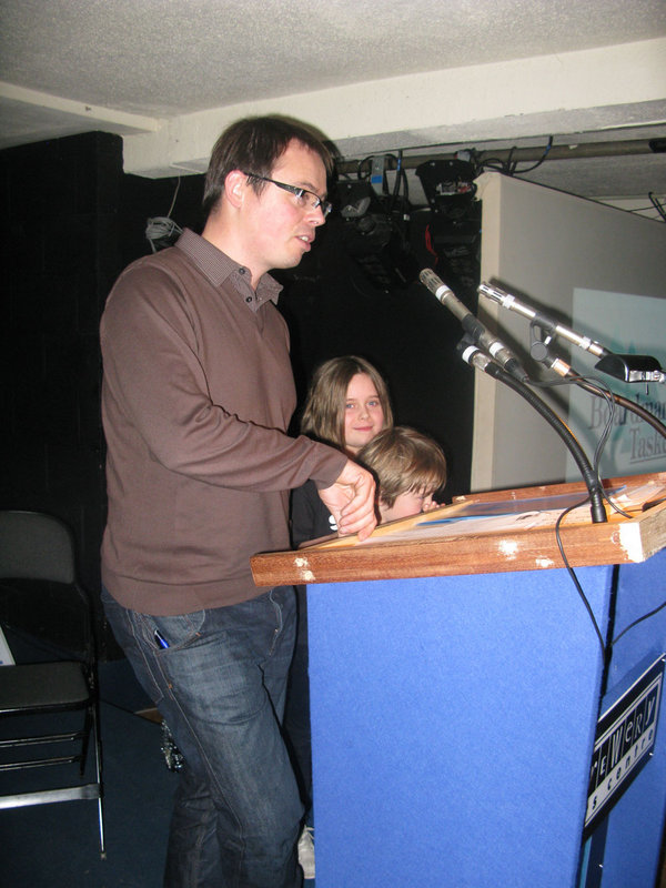 Andy Kirkpatrick, with Ella and Ewan Kirkpatrick, accepting the Boardman Tasker Prize for Psycohvertical, 100 kb
