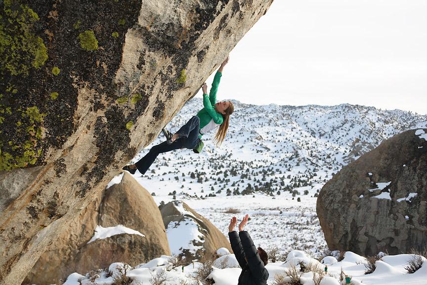 Lisa Rands climbs The Mandala V12, 225 kb