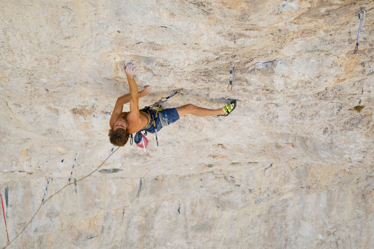 Chris Sharma on Jumbo Love F9b, 97 kb