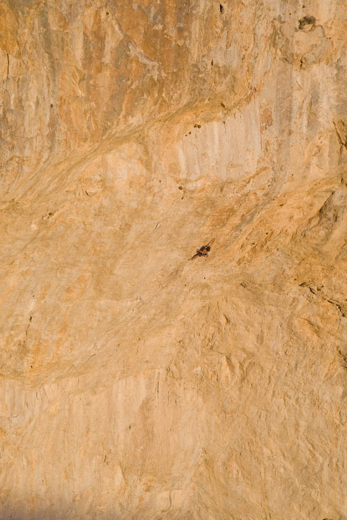 Chris Sharma on the huge sweep of limestone of Jumbo Love - F9b, 101 kb