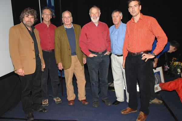 Can there ever have been so much experience of mountaineering on Everest brought together in one room? Left to Right: Reinhold , 35 kb