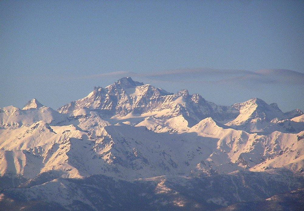 Gran Paradiso from my bedroom window, 136 kb