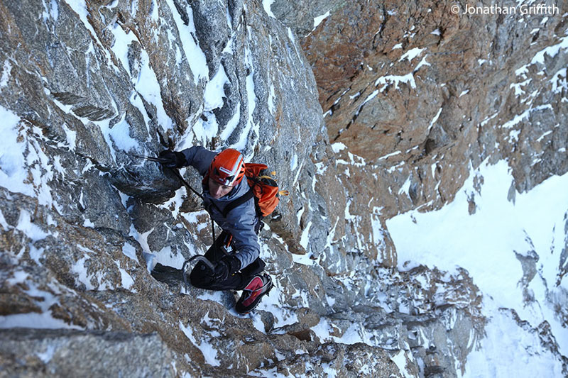 Ueli Steck...Colton-Macintyre (VI,6) Speed Record, 167 kb