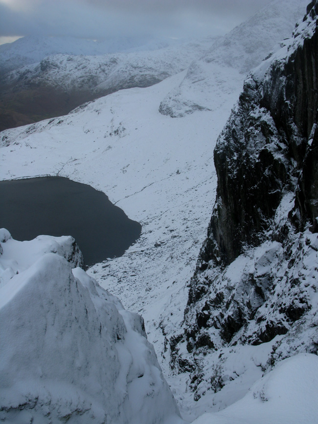 Looking down Easy Gully on Pavey Ark, 196 kb