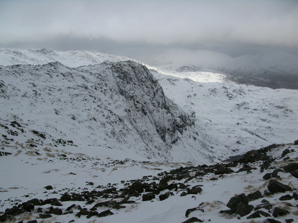 Pavey Ark from Harrison Stickle, 152 kb