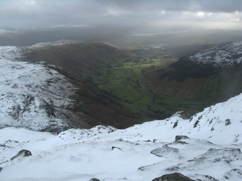 Langdale From Harrison Stickle, 117 kb