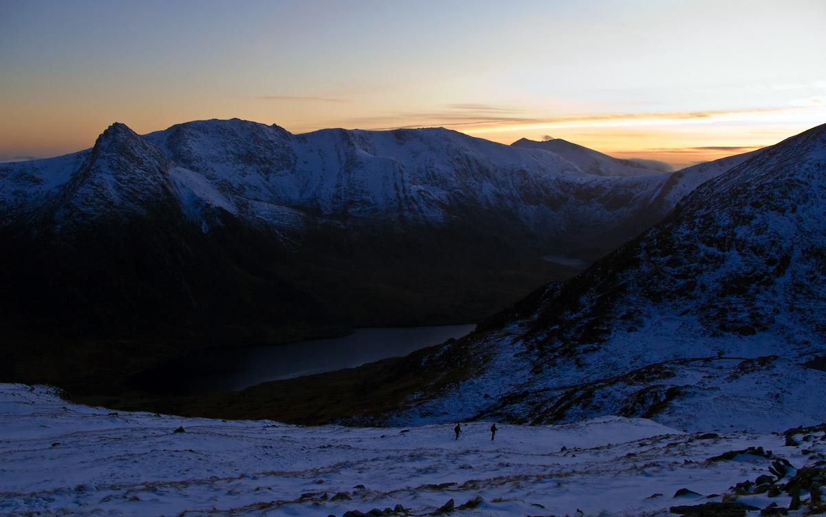 Descending to Cwm Lloer after the sun has set, 200 kb