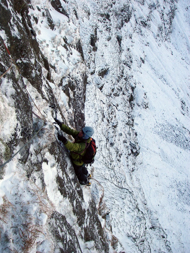 Ian Hey seconding on the Black Ladders - Dec 2008, 226 kb