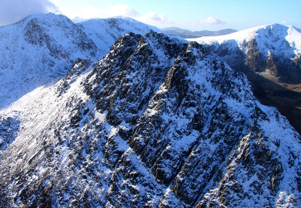 Tryfan and the Glyders.  26 Jan 09, 227 kb