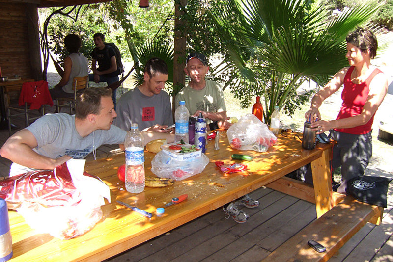 Enjoying a spot of lunch on the josito campground, 173 kb