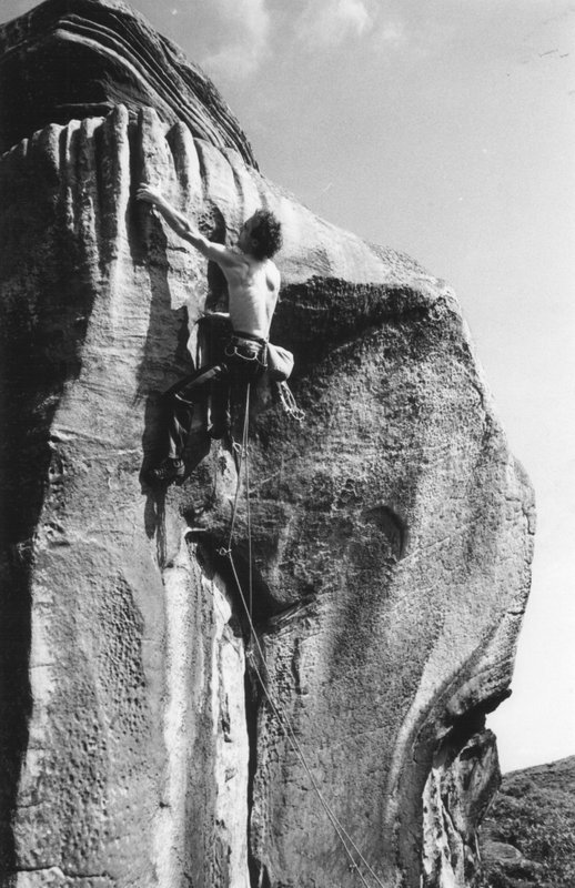 Graham Hoey finishing Barbarian (E5) in 1984 , 99 kb