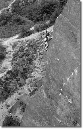 Graham Hoey on-sighting Great Arete in 1984, 38 kb