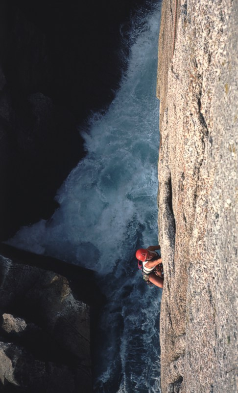 Unknown climber (not to her) on Magic Flute, Lundy, 93 kb