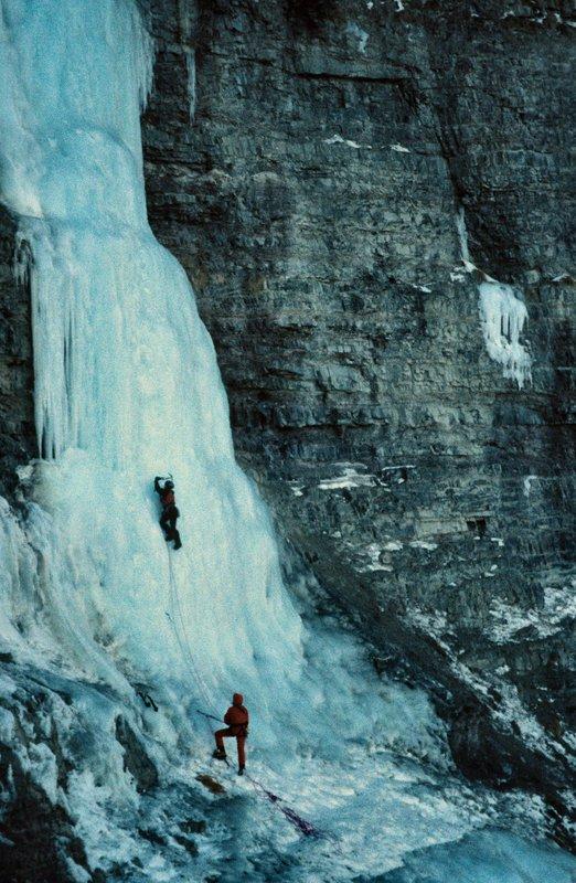 Rosie Goolden leading Dexter Falls, 113 kb