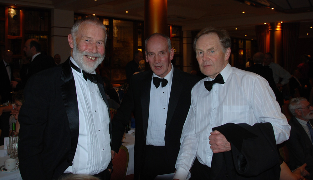 Sir Chris Bonington, Mark Vallance and Derek Walker, 146 kb