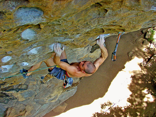 Kris Hampton on Beer Belly 5.13a, Drive-By Crag, Red River Gorge, Kentucky, USA, 78 kb