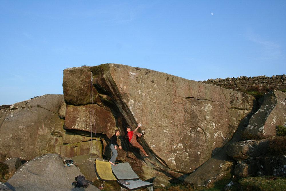 Dan Varian on Arc Royal - Queens Crag, 142 kb