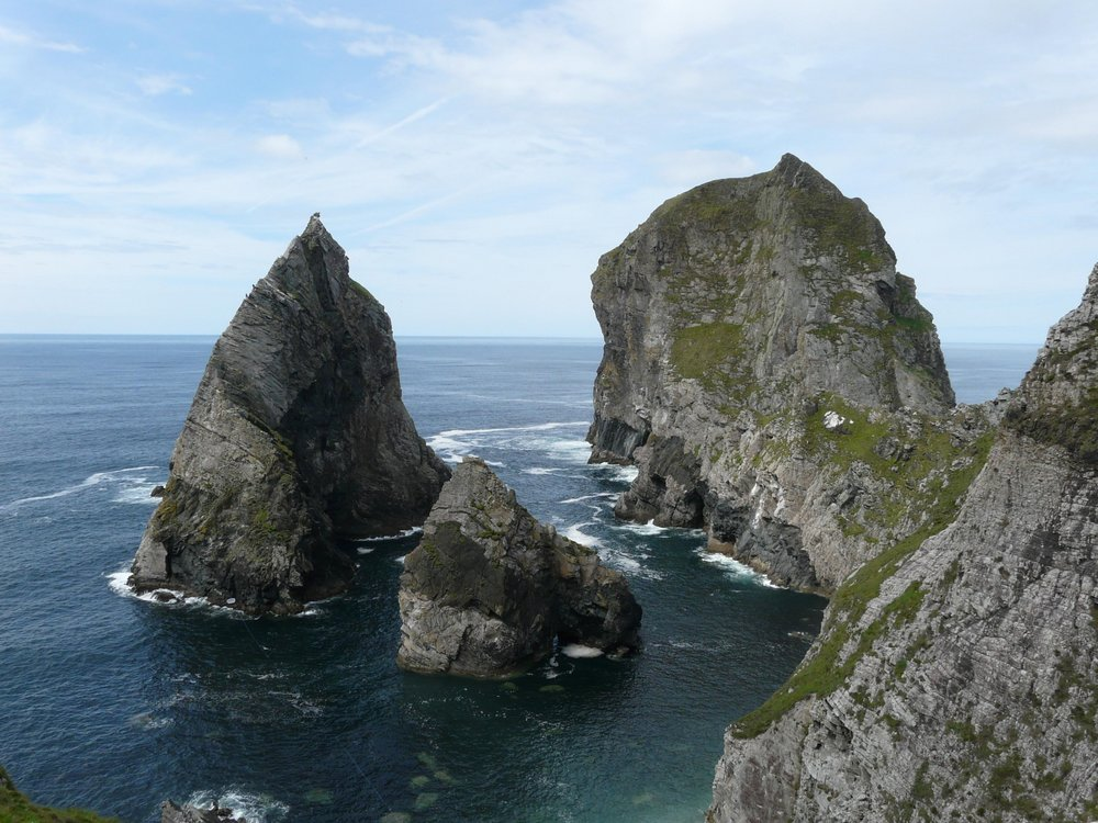 Cnoc Na Mara (climbers on 3rd pitch), Lurking Fear and Tormore Island, Donegal, 150 kb