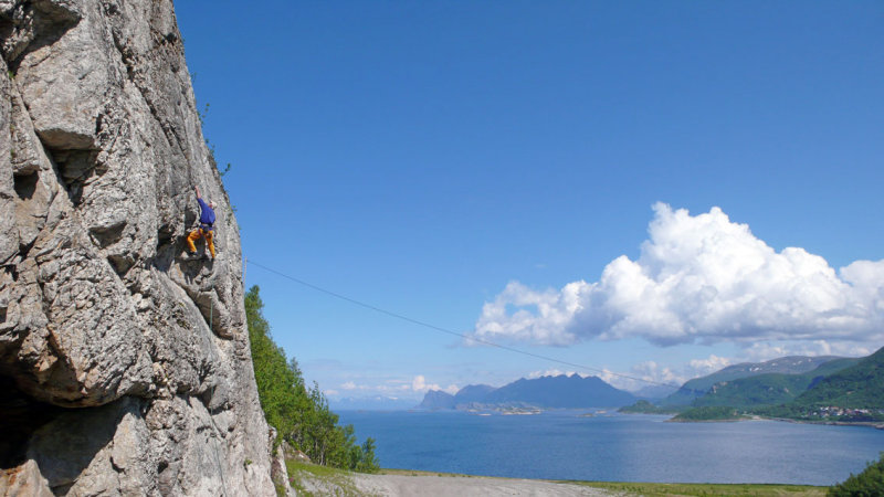 Sport climbing just north of Bodø, a good way of passing the time waiting for the ferry., 76 kb