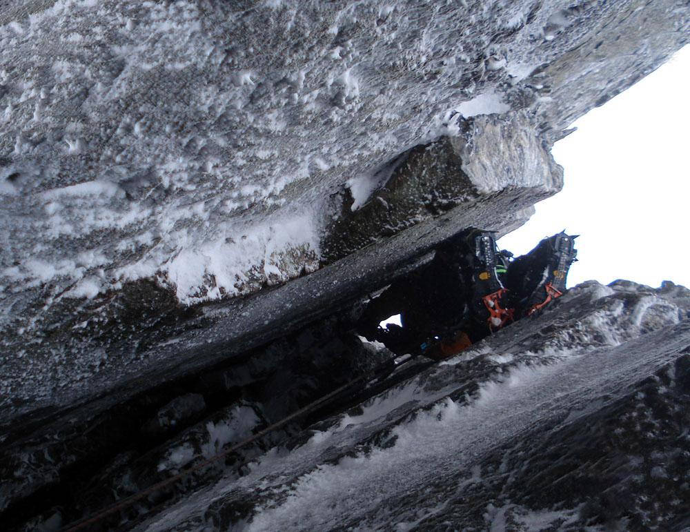 Tony Stone enjoying the steep chimney on Sassenach, 219 kb