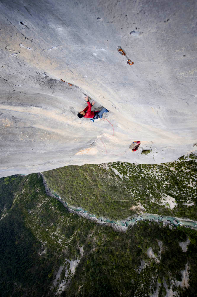 Alan Carne, a long way up and a long way between bolts in the Verdon Gorge. , 192 kb
