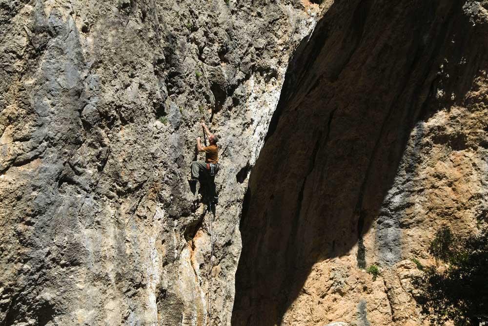 Mick Ryan climbing at Gorg Blau, Mallorca © UKC Articles