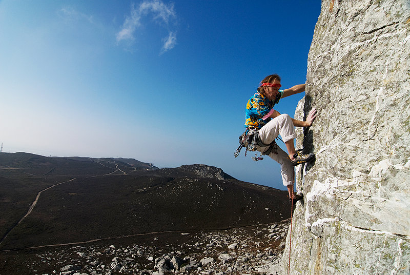 Streaky Desroy cruising up Bruvers HVS 5a on Holyhead Mountain, officially the world�s sunniest crag! , 135 kb