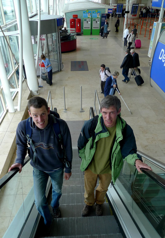 Jack Geldard, Editor of UKC and Alan James, Director of UKC, sometimes they climb, but they prefer an escalator!, 120 kb