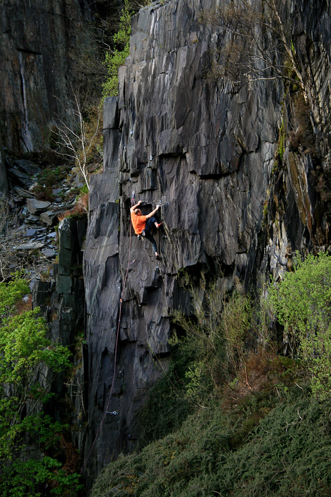 George Smith cruising a F7b in Bus Stop Quarry, Llanberis, 229 kb