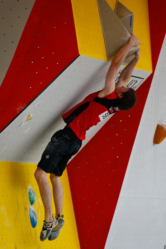 Stew Watson competing in the Vienna Bouldering World Cup, 79 kb