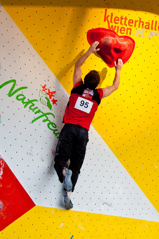 Dave Barrans competing in the Vienna Bouldering World Cup, 104 kb