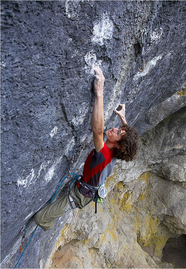 Adam Ondra on his recent ascent of Corona, 11+ (F9a+) , Frankenjura, 207 kb