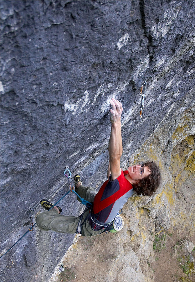 Adam Ondra on his recent ascent of Corona, 11+ (F9a+) , Frankenjura, 222 kb