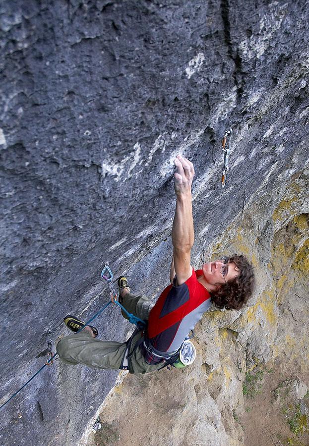 Adam Ondra on his recent ascent of Corona, 11+ (F9a+) , Frankenjura, 222 kb