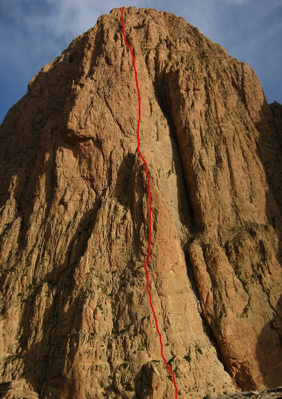 The top 13 pitches of Storm O'Clock, 7a 620m, 19 pitches, near Taghia., 133 kb