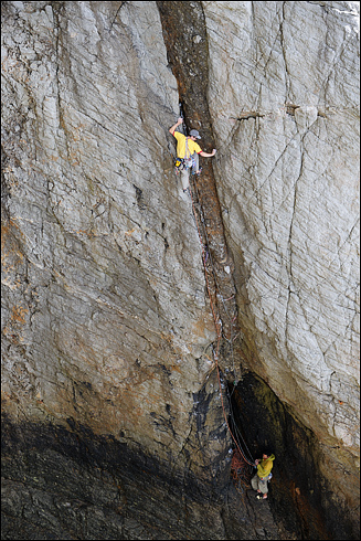 James McHaffie climbing the first pitch of Rubble E7 6a - Gogarth, 172 kb