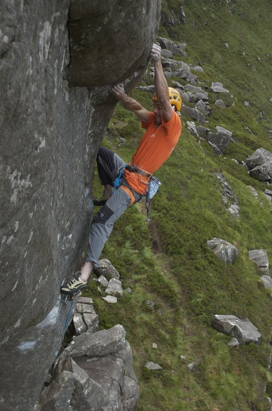 Dave MacLeod on the FA of Present Tense E9 7a, 101 kb