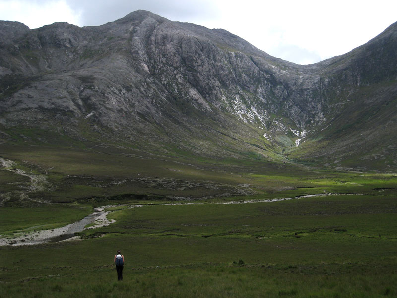 Approaching Bencorr over the bogs of Gleninagh, 92 kb