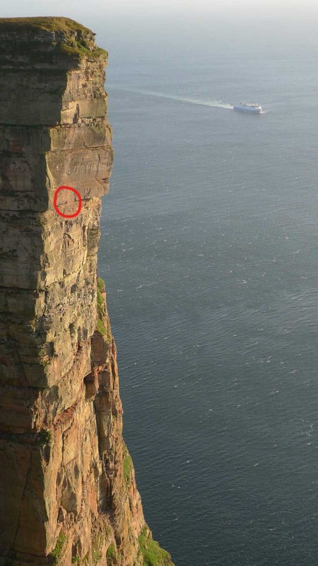Dave MacLeod on the Longhope Route on St John's Head on Hoy, 70 kb