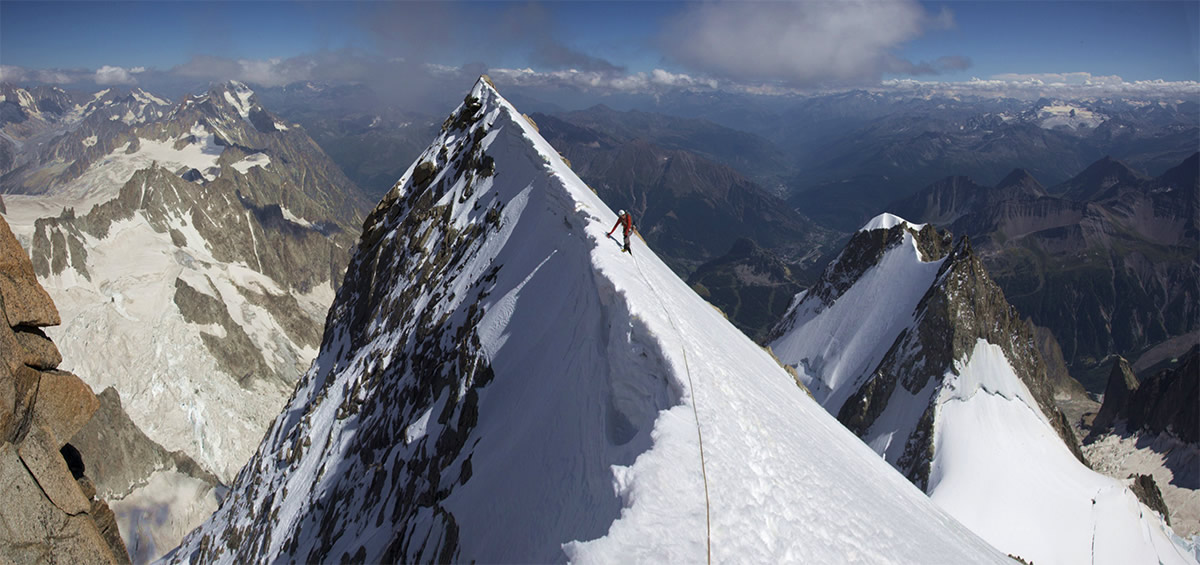 Stitch of Luke Hunt on the summit of the Grand Pillier D'angle- Peuterey Integral, 187 kb