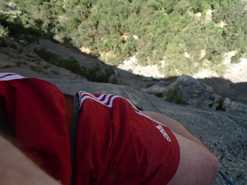This harness is comfortable on hanging stances. Here on a multi-pitch sport climb in Mallorca., 86 kb