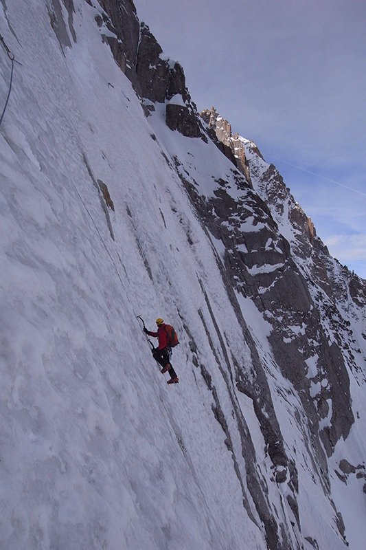Will Sim on the Colton Brooks, Droites north face. © Jonathan Griffith, 101 kb