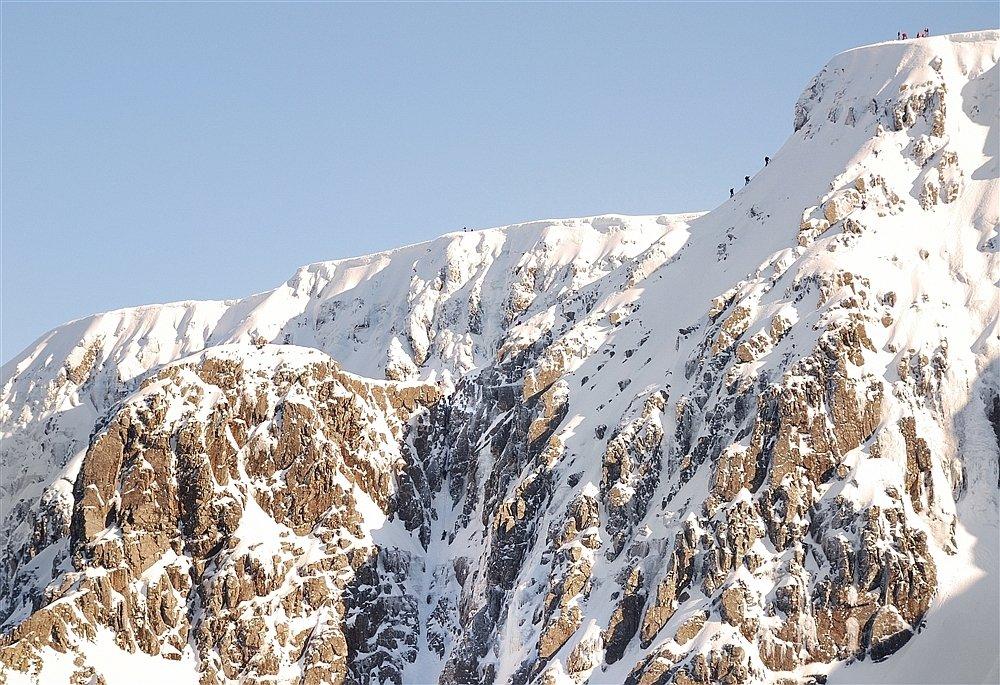 Tower ridge finish in late season, 214 kb