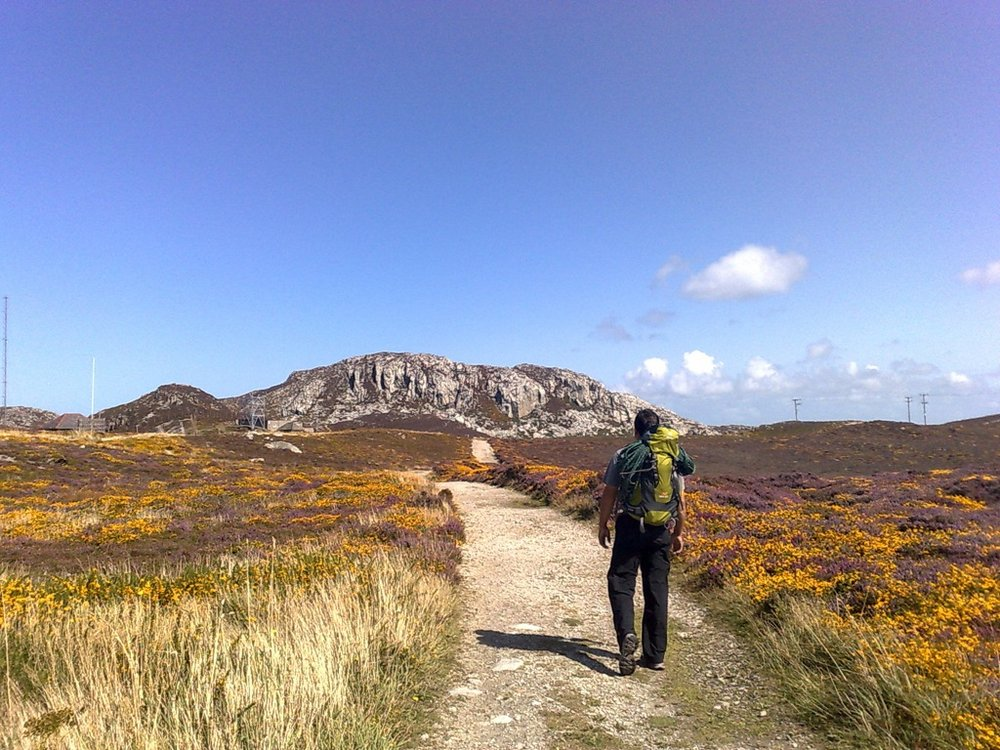 Walking in to Gogarth, 174 kb